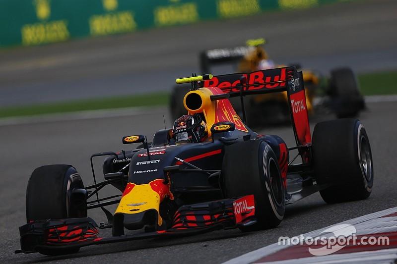 """Chefe da Red Bull diz que Kvyat nunca """"superou"""" rebaixamento"""