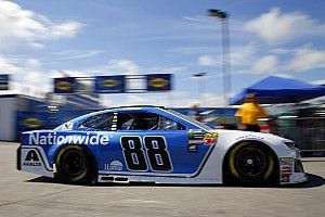 Alex Bowman, Nationwide agree to contract extensions with Hendrick