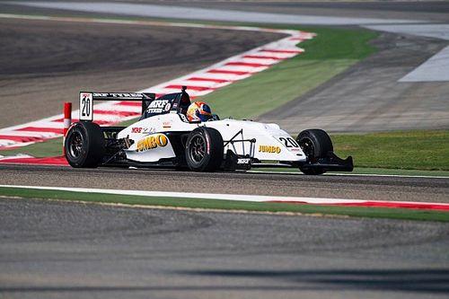 Bahrain MRF: Van Kalmthout takes lights-to-flag Race 3 win