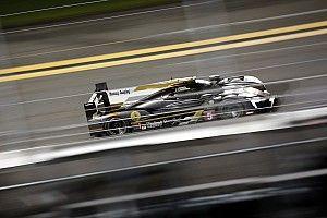 Daytona H+19 - Les deux Cadillac Action Express en démonstration