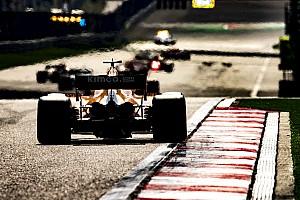 Forma-1 Motorsport.com hírek Így tette félre Alonso Vettel Ferrariját Kínában: videó