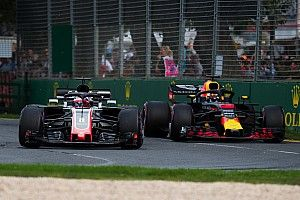 Ricciardo se lamenta por el tamaño de los autos F1
