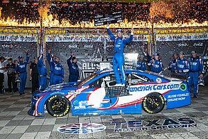 Larson gana la All-Star en Texas y se lleva el millón de dólares