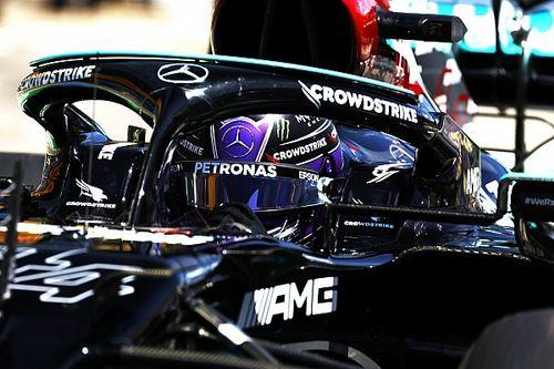 """Hamilton, Verstappen'in yarın """"gezinerek"""" kazanacağını düşünüyor"""