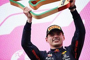 Max Verstappen jubelt: Im Rennen endlich besser als Mercedes