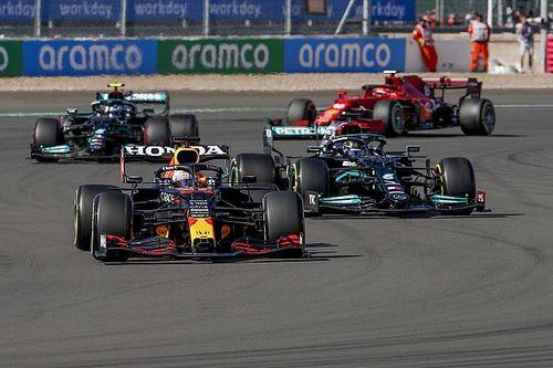 """F1: Verstappen diz que """"ficou realmente preocupado"""" depois que pneus pegaram fogo"""