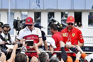 Amikor Räikkönen nem F1-es versenyző, hanem turista