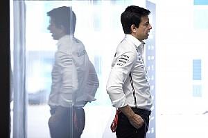 Egy késő esti telefonhívás után a Mercedes meggondolhatta magát az Ausztrál Nagydíjon