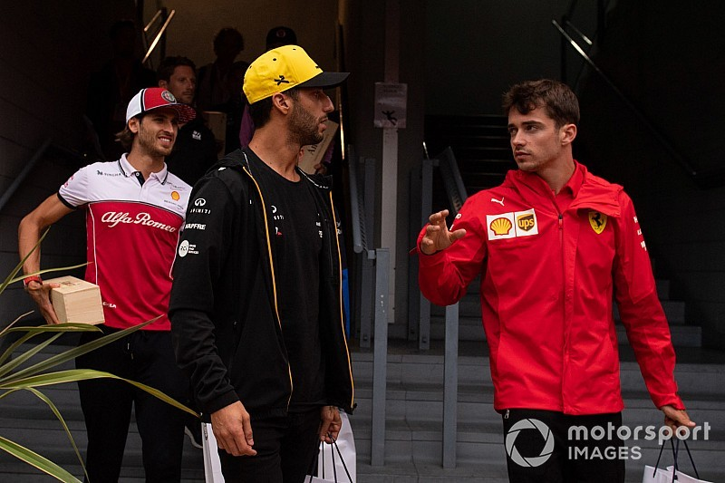 Ricciardo szerint nyert ügye lett volna, és Leclerc nagyon szerencsés