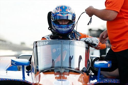 Egy hosszú videós anyag az IndyCar szélvédős tesztjéről: már most jó!