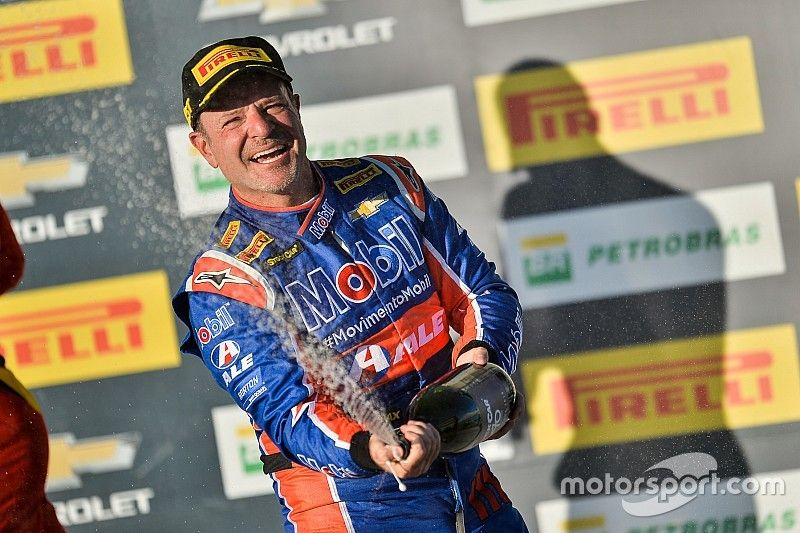 Campo Grande Stock Car: Barrichello wins from 14th on the grid