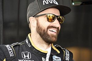 Hinchcliffe staying with Arrow McLaren SP for 2020
