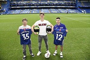 Fotogallery: Vinales e Crutchlow calciatori del Chelsea per un giorno