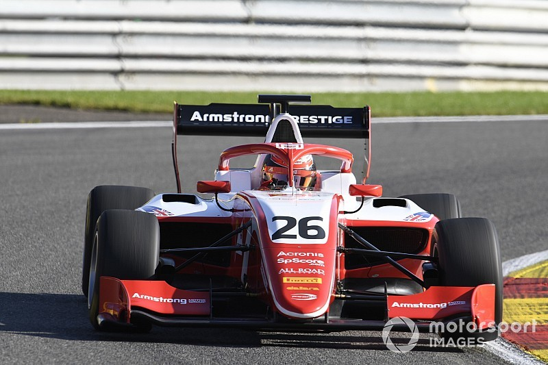 Spa F3: Armstrong controls sprint race from pole