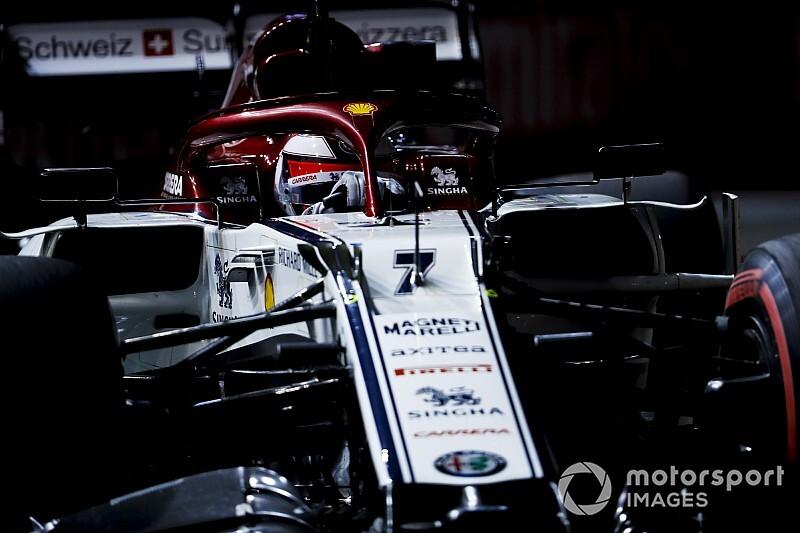 Giovinazzi 10 másodperces időbüntetést kapott, Räikkönent, Kvjatot, Grosjeant és Russellt tisztázták