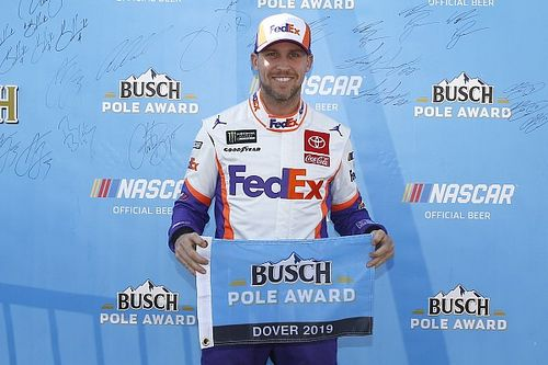 Denny Hamlin edges Kyle Larson for Dover pole