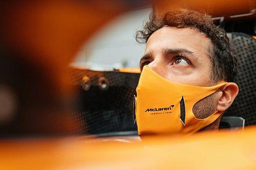 """ريكاردو: """"وركي العريض"""" تسبب ببعض المشاكل خلال أخذ قياسات مقعد سيارة مكلارين"""