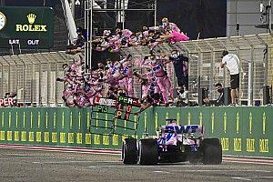 Perez pakt eerste Formule 1-zege na enorme blunder Mercedes
