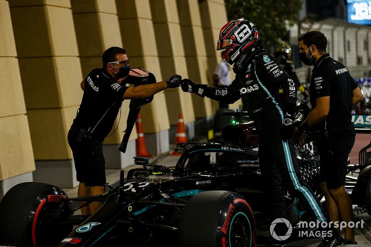 Russell, Mercedes direksiyonunda hâlâ yanlış düğmelere basıyormuş