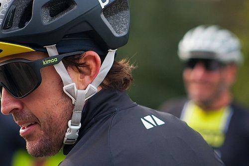 Alonso, atropellado entrenando en bicicleta