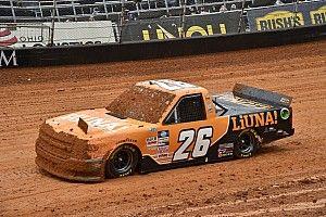 NASCAR w błocie