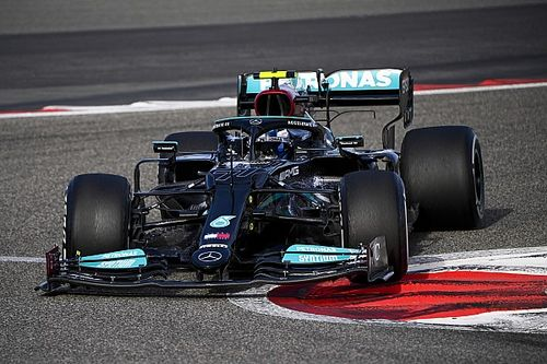F1, Test Bahrain, Day 2: Bottas risveglia la Mercedes
