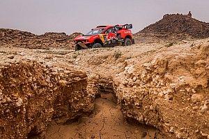 Peluang Habis, Loeb Ubah Haluan di Reli Dakar