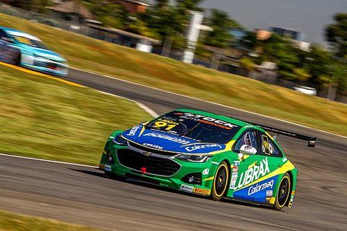 Stock Car: Massa sofre com problemas no carro e toques em estreia em Goiânia