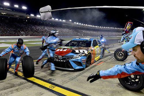 На машинах NASCAR появится подсветка днища