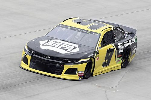Chase Elliott wins Dover pole with track record lap