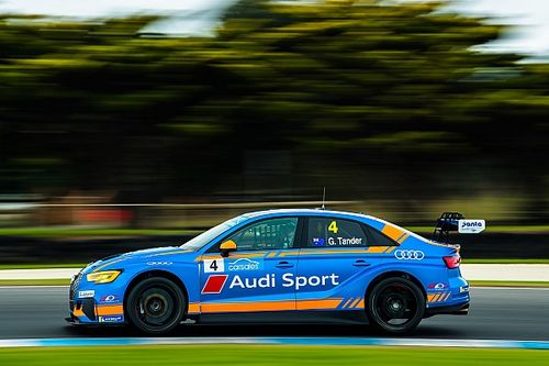 Phillip Island TCR: Tander tops opening practice