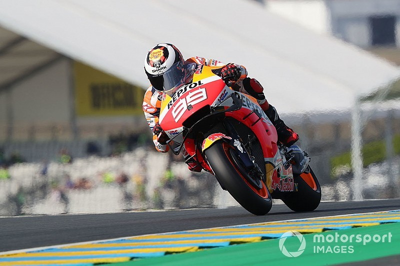 "Lorenzo says Le Mans gains ""a small victory"" amid seat change"