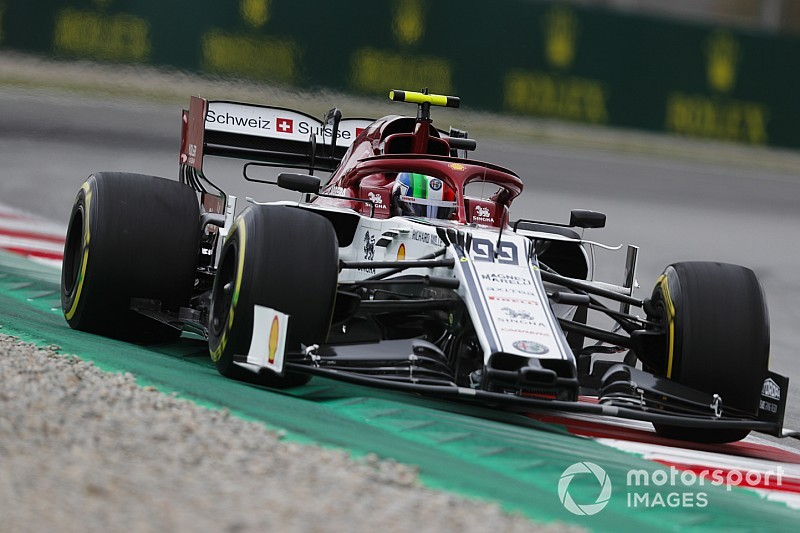 Giovinazzi set for grid penalty after gearbox change