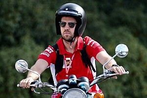 A Red Bull nem zárja ki Vettel visszatérését