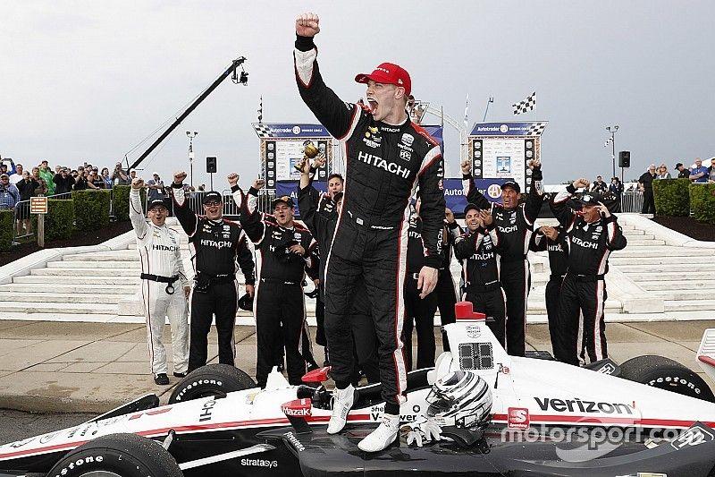 IndyCar Detroit: Newgarden klopt Rossi in uitgestelde regenrace