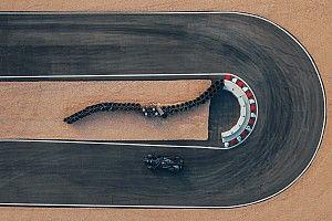 A Porsche történelmet ír a Formula E-ben: így mutatja be az autóját!