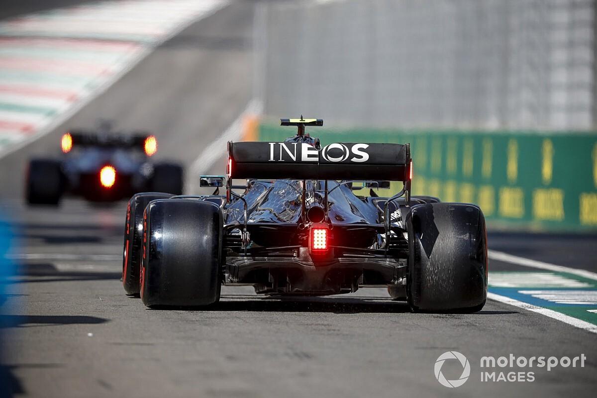 Mercedes in vendita: ma chi cede delle quote a Ineos?