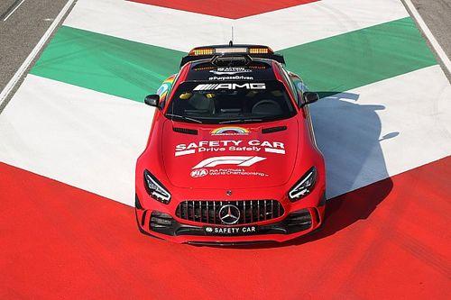 Красный Mercedes. Подарок Штутгарта к юбилею Ferrari