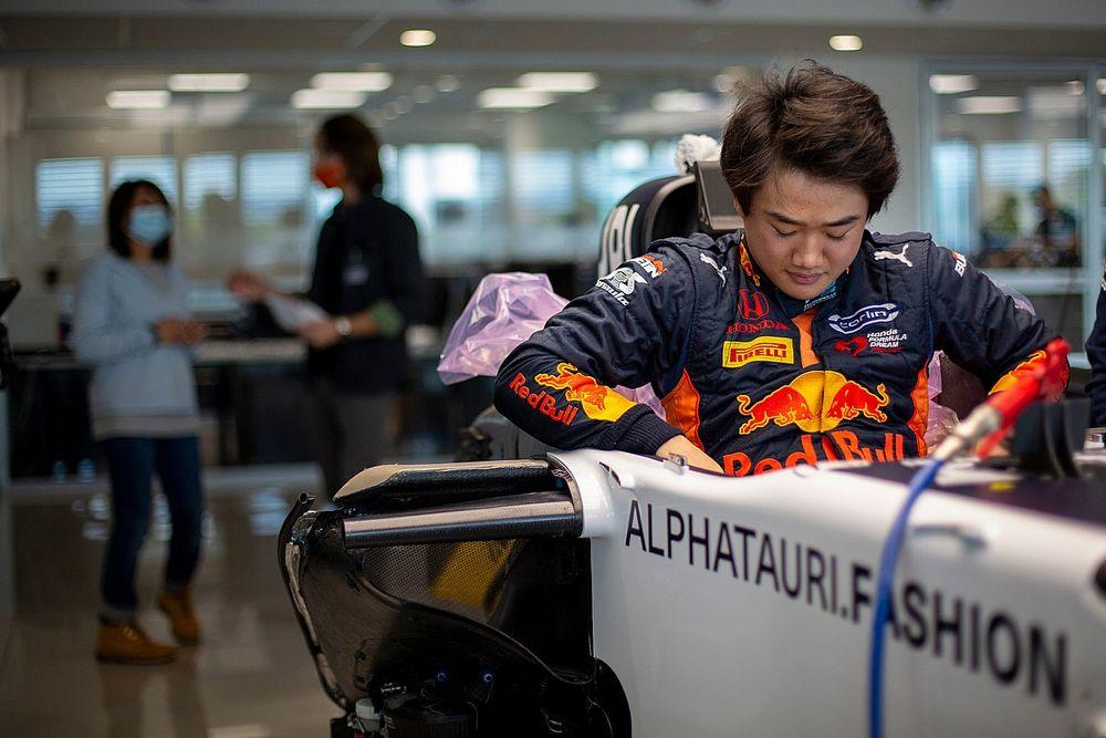 Завтра Цунода дебютирует на тестах Ф1. Тост рассказал, что будет дальше