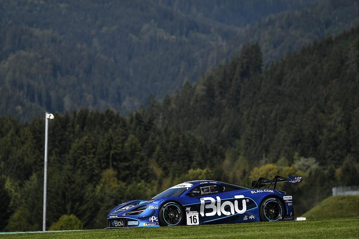 McLaren na pole position