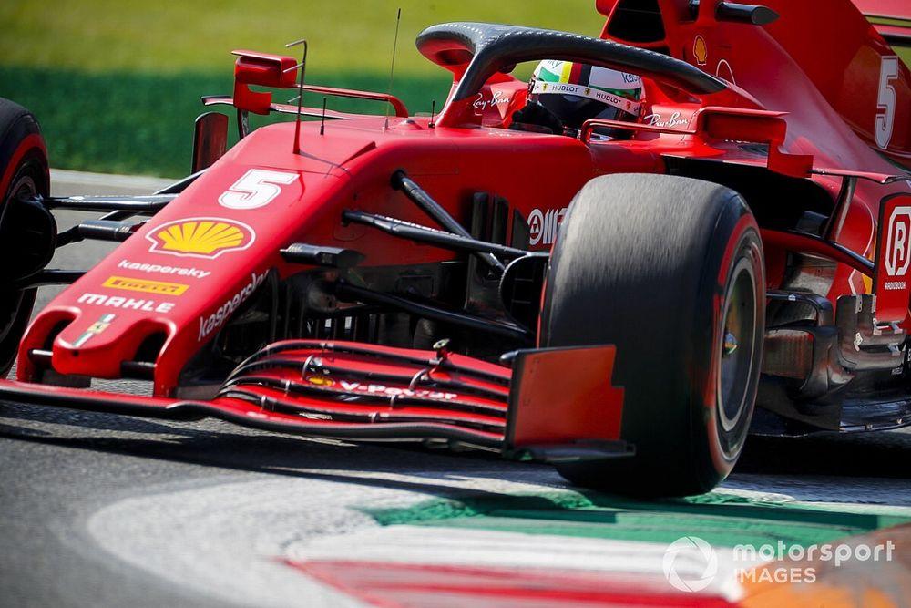"Vettel stilaan moedeloos: ""Het hele Ferrari-team lijdt hieronder"""
