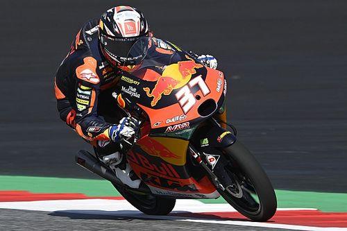 Moto3, Stiria: Acosta frega Garcia che cade all'ultimo giro. Fenati 3°.