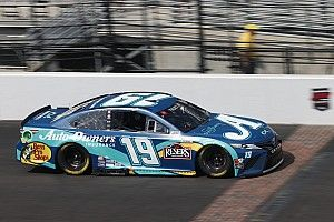 Truex tops Byron in Cup Series practice on Indy RC