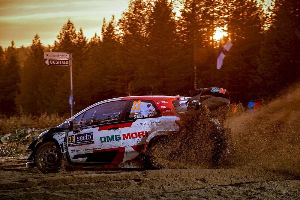 WRC, Rally Finlandia, PS14: Evans brilla nel buio. Neuville KO