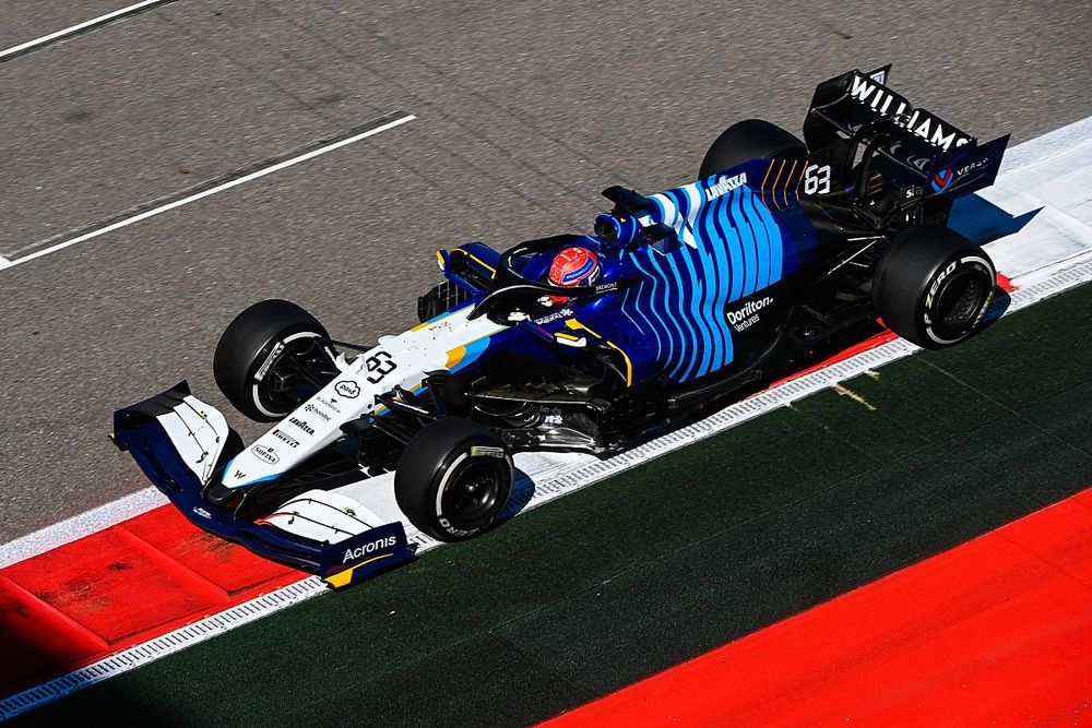 Wolff wouldn't be surprised to see Russell lead first F1 lap in Sochi