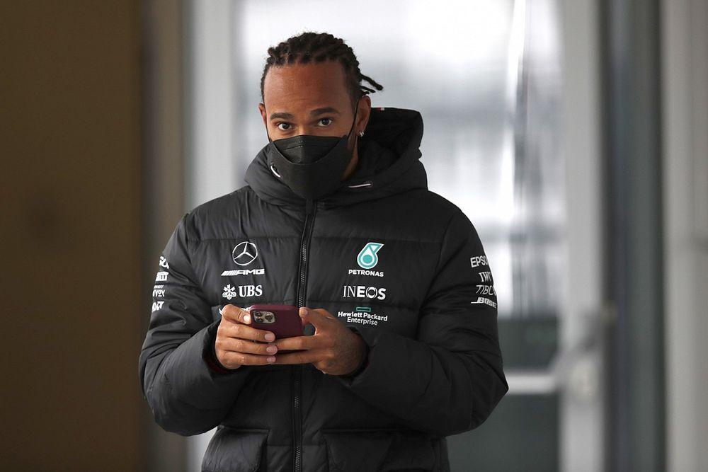 Hamilton reagált Marko szavaira