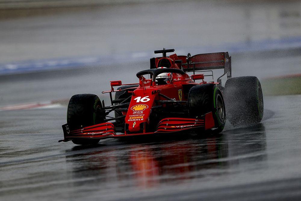 Ryzyko Ferrari zyskiem Leclerca