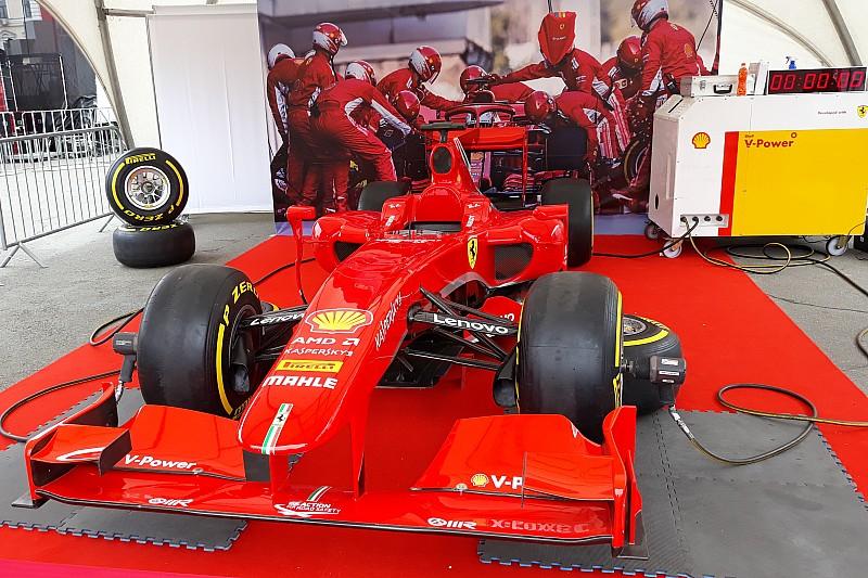 Галерея: Ferrari та запальне шоу від Shell на Подолі