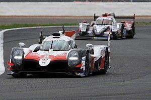 El #8 de Alonso lidera las 6 horas de Silverstone a mitad de carrera