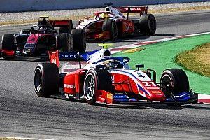 Шварцман и его главные соперники по Формуле 2 во второй гонке в Барселоне набрали 1 очко на троих